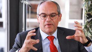 El consejero de Educación, Rafael van Grieken, en la redacción de 'Madridiario'.