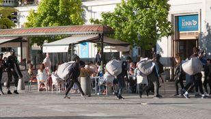 Los manteros continúan con la misma actividad en Madrid que se reprochaba a Carmena