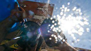 Vallecas se moja contra el cambio climático en su Batalla Naval