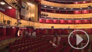 Cerca de 4.000 personas se adentran en el Teatro Real