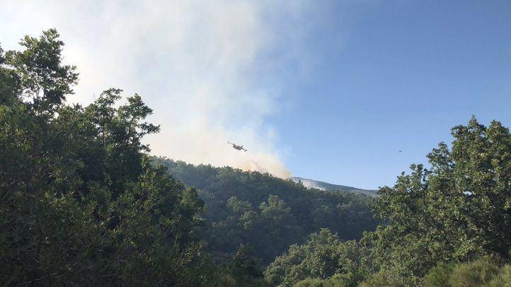 Este domingo se ha declarado un incendio en una zona cercana a la A-1