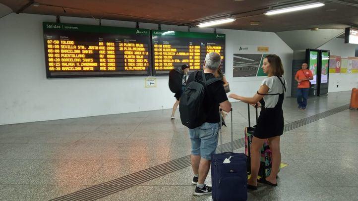 Renfe ha cancelado un total de 320 trenes de los programados para este lunes.
