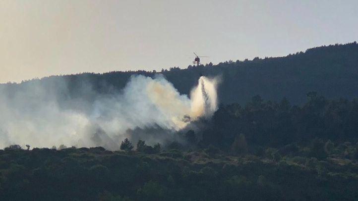 Los Bomberos de la Comunidad dan por extinguido el incendio de Robregordo.
