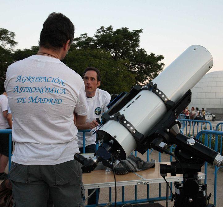 Los telescopios se instalarán en la explanada del Planetario de Madrid.