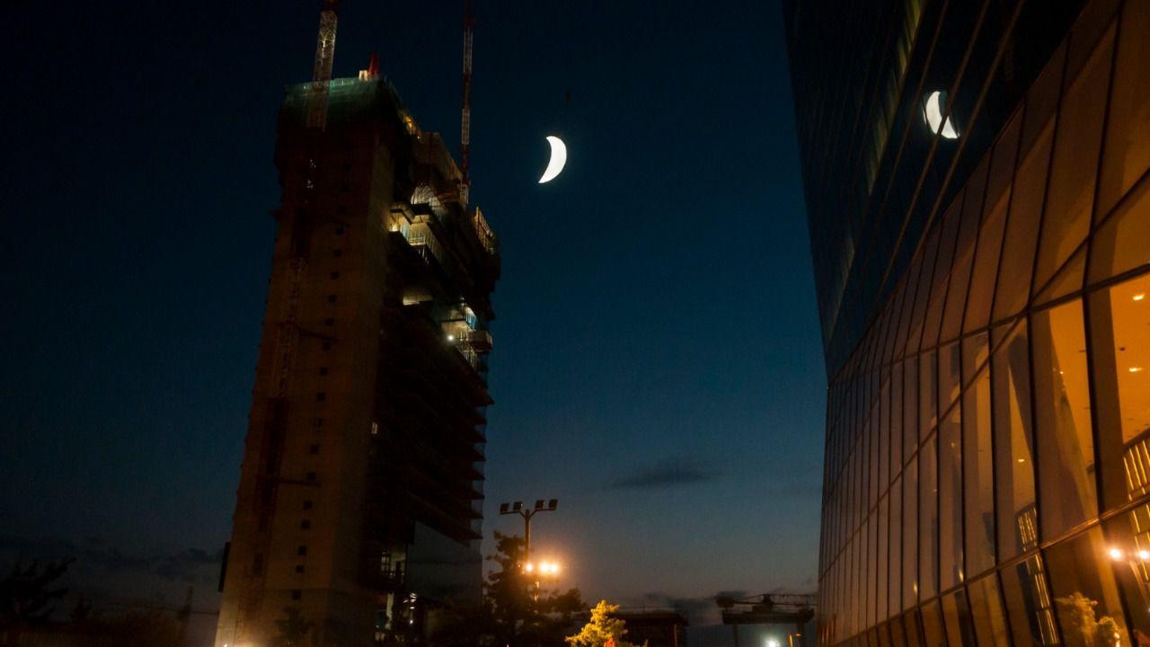 La Torre Caleido baja la Luna a Madrid | Madridiario