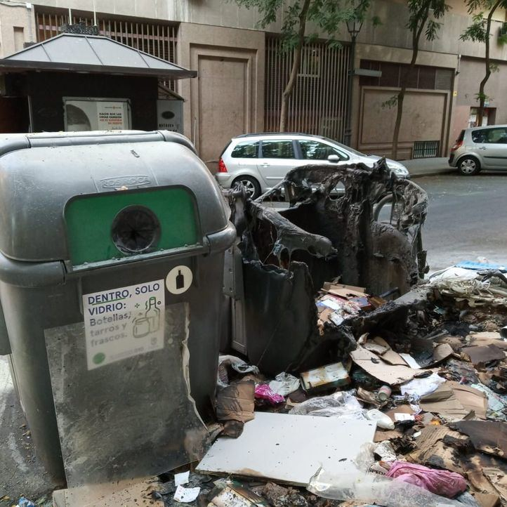 Así quedó el contenedor tras el incendio que apagó Smith