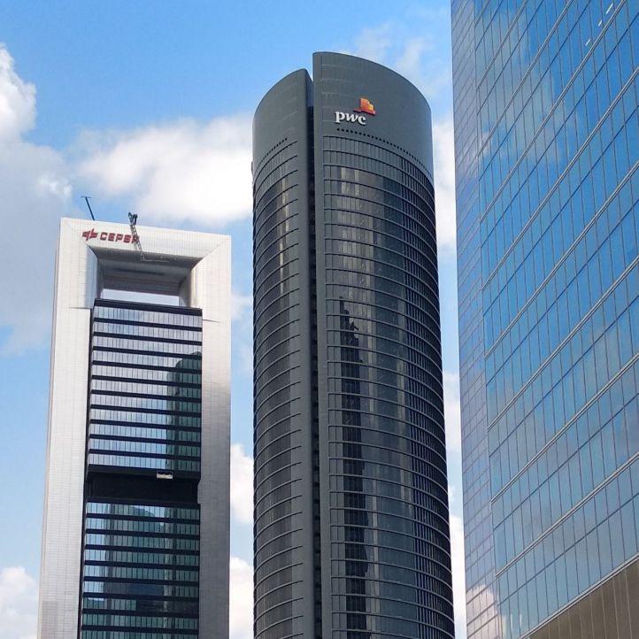 Amazon se 'muda' a Torre Cepsa con Amancio Ortega como casero
