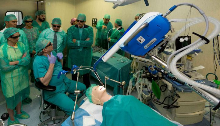 Madrid, pionera en implantar un sistema para operar sin cicatriz