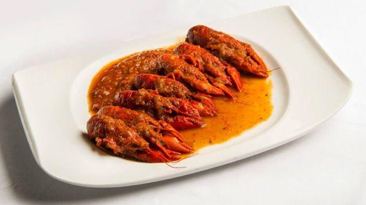 Cangrejos de río en salsa de tomate en La Cocina de María Luisa.