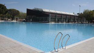La piscina de Aluche, abierta al nudismo en el 'Día sin Bañador'
