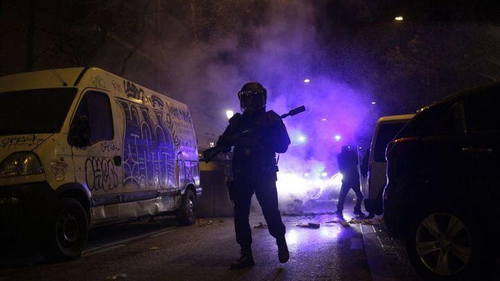Imagen de archivo de los disturbios en Lavapiés tras la muerte de un mantero.