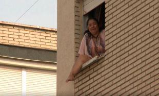 A punto de tirarse por la ventana cuando iba a ser desahuciada