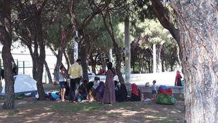 Los ciudadanos sirios, acampados en el parque.