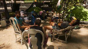 Los sintecho llevan acampados desde el pasado mes de abril frente al Ministerio de Sanidad.