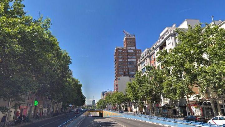 Entrada al paso interior de Francisco Silvela con Avenida de América