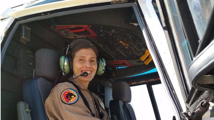 Débora Gómez, comandante del Ejército y primera mujer piloto de la Patrulla Aspa.