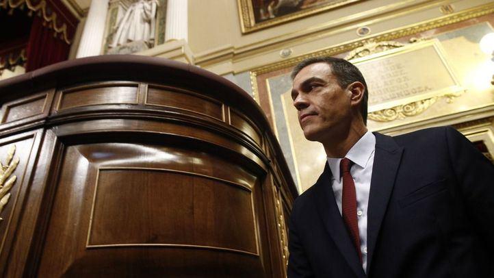 Pedro Sánchez sube a la tribuna para iniciar su discurso