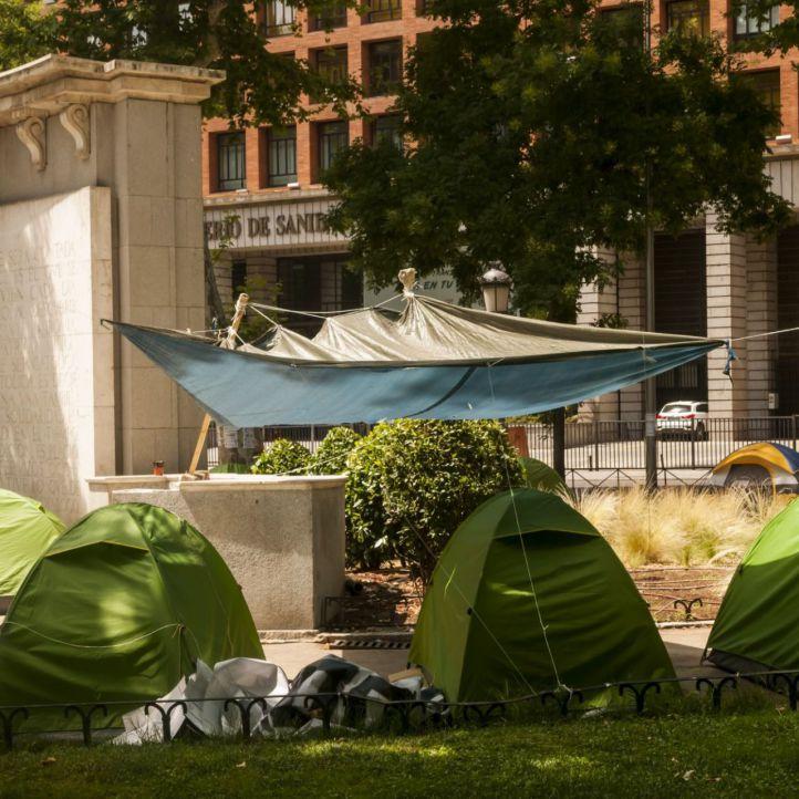 Solo el 15% de los acampados en el Paseo del Prado son personas sin hogar