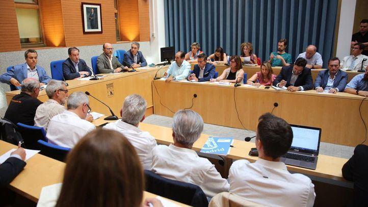 El delegado de Medio Ambiente y Movilidad del Ayuntamiento, Borja Carabante, preside la reunión de la Comisión de Seguimiento de Madrid Central.