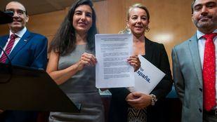 Rocío Monasterio, líder de Vox Madrid, comparece en la Asamblea de Madrid, anuncia la rebaja de sus pretensiones para facilitar la investidura de Isabel Díaz Ayuso como presidenta de la Comunidad.