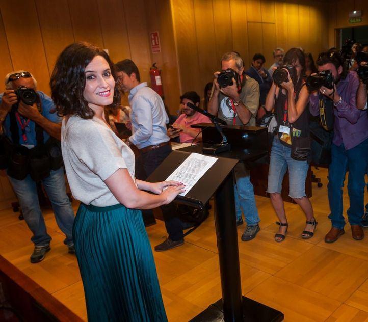 Isabel Díaz Ayuso, candidata del PP, comparece en la Asamblea de Madrid después de que Ciudadanos haya dado el visto bueno a las peticiones de Vox.
