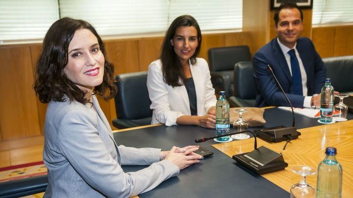 Vox apoyará finalmente el Gobierno bipartito de Ayuso y Aguado.