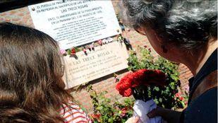 Homenaje a las 13 rosas rojas realizado en 2013.