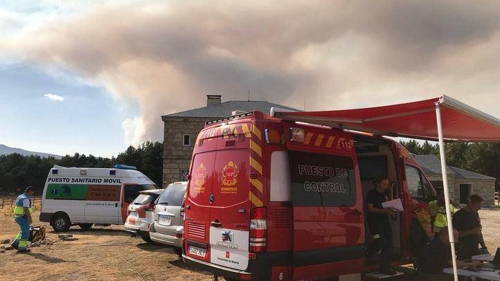 Puesto de control del incendio de Miraflores de la Sierra, desde el que se ve la columna de humo del incendio en la Granja de San Ildefonso