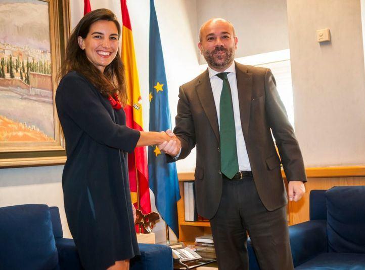 Monasterio, con Juan Trinidad en la tercera ronda de consultas de la recién estrenada legislatura.
