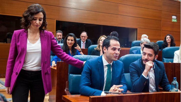 Ayuso afronta el último trámite para llegar como presidenta a La Paloma