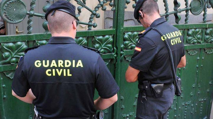 Dos estafadores, detenidos tras sustraer 637.000 euros a sus víctimas