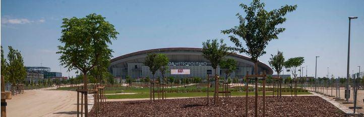 Riego con agua reciclada y conexión del estadio con el distrito