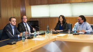 Ángel Gabilondo e Isa Serra, portavoces del PSOE y Unidas Podemos en la Asamblea.