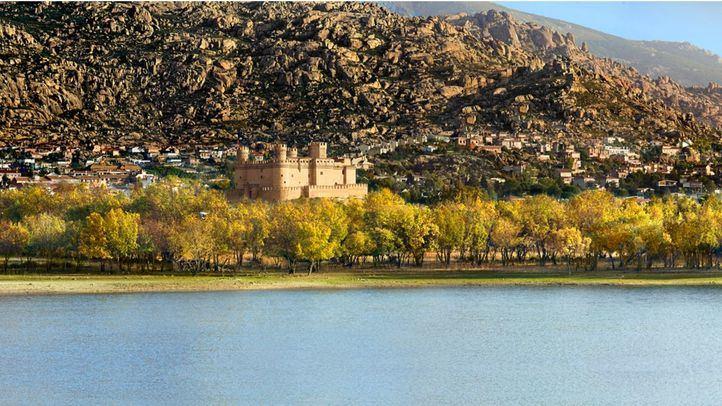 Castillo de Manzanares del Real, una de las 11 Villas de Madrid.