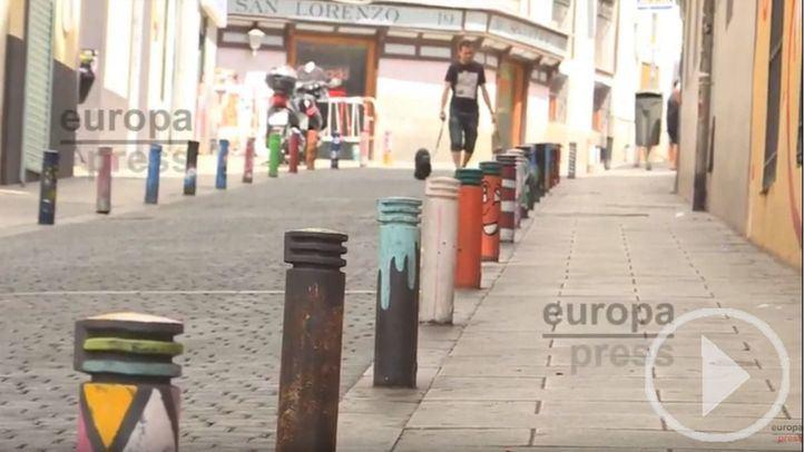 'Bolardo voy, bolardo vengo' decora las calles de Lavapiés