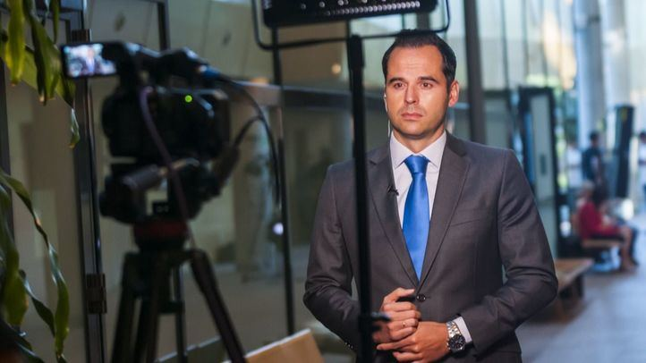 Ignacio Aguado en la primera sesión del Pleno de investidura de Isabel Díaz Ayuso.