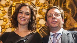 Isabel Díaz Ayuso y José Luis Martínez-Almeida, en la celebración de la Virgen de la Paloma.
