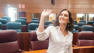 Isabel Díaz Ayuso, en el pleno de investidura en el que fue elegida presidenta de la Comunidad de Madrid. Hoy tomará posesión de su cargo de forma oficial.