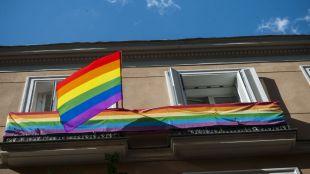 Banderas LGTBI en Chueca con motivo del último Orgullo celebrado en la capital.