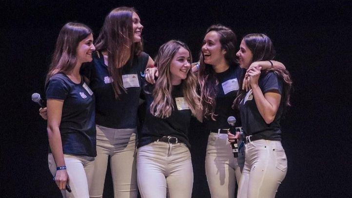 Alumnas del IES Velázquez que han desarrollado una app para mujeres en situación de emergencia