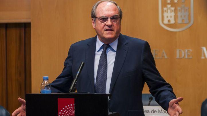 El portavoz del PSOE en la Asamblea de Madrid, Ángel Gabilondo, espera que les vaya muy bien por el bien de todos los madrileños.