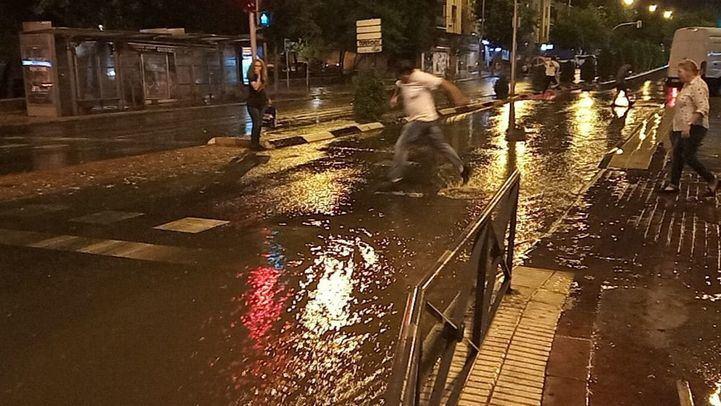 Inundaciones y caídas de ramas: las consecuencias de la tormenta de granizo