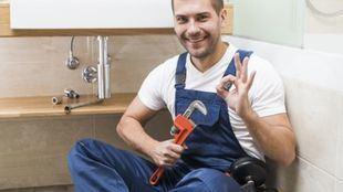 Como contratar un fontanero con servicio 24 horas sin sufrir una estafa