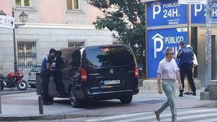 Inmovilizado un taxi 'pirata' contratado por una 'app' china que ofrecía rutas baratas por Madrid