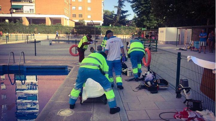 Reaniman a un hombre de 76 años tras ahogarse en una piscina en Alcorcón
