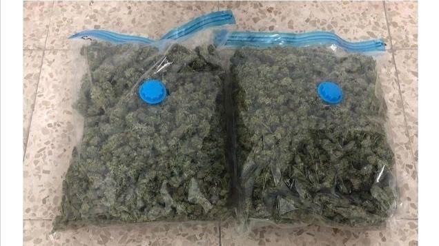 La Policía Municipal detiene a un joven que ocultaba más de 1,2 kilos de marihuana en su coche