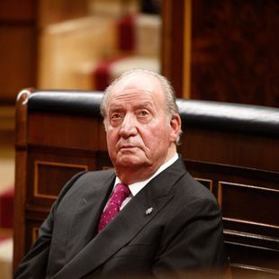 Los médicos implantan tres bypass al Rey Juan Carlos