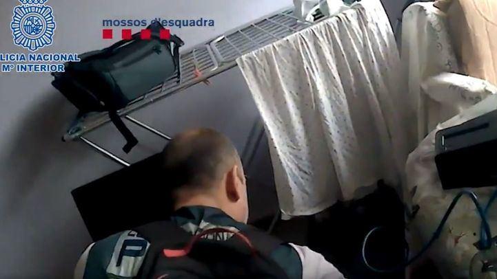 La Policía Nacional detiene a un hombre por el presunto acoso sexual a menores a través de chats de videojuegos online.