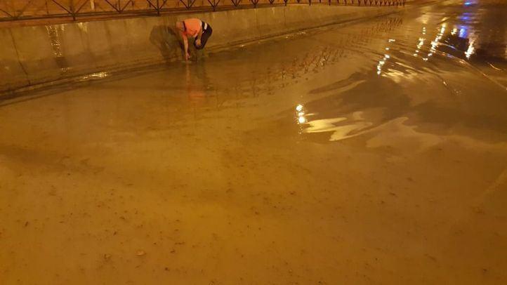 Así de afectadas quedaron algunas vías en Getafe.