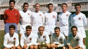Once titular del Real Madrid en la final de la Copa Intercontinental de 1960 frente al Peñarol en el Bernabéu.